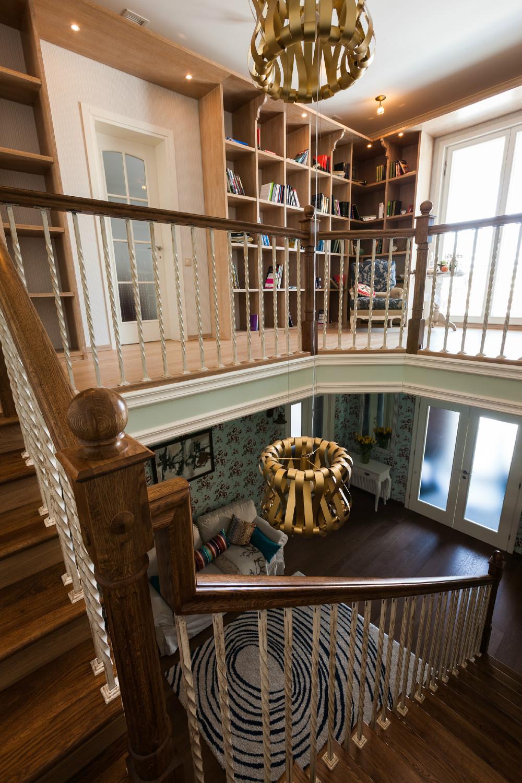 adelaparvu.com despre decor romantic la interiorul unui conac restaurat, vila Rusia, designer Lada Podolsky, DeCity (17)