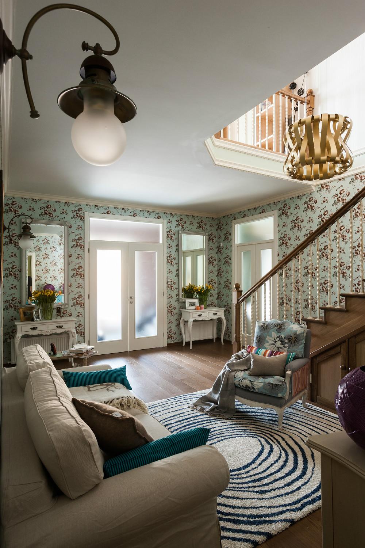 adelaparvu.com despre decor romantic la interiorul unui conac restaurat, vila Rusia, designer Lada Podolsky, DeCity (9)