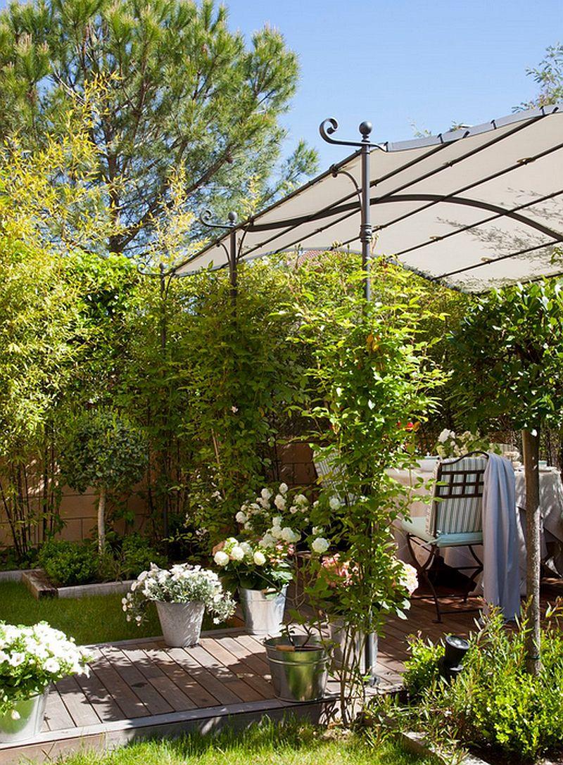 adelaparvu.com despre terasa in gradina mica cu pergola din fier, peisagist  Javier Álvarez de Eulate (4)