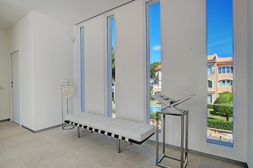 adelaparvu.com despre vila minimalista in Ibiza, Santa Ponsa, arhitecti Tono Vila Ramis si Joan Miquel Segui, Design interior Andreea Miinescu, Foto Signature Estate (14)