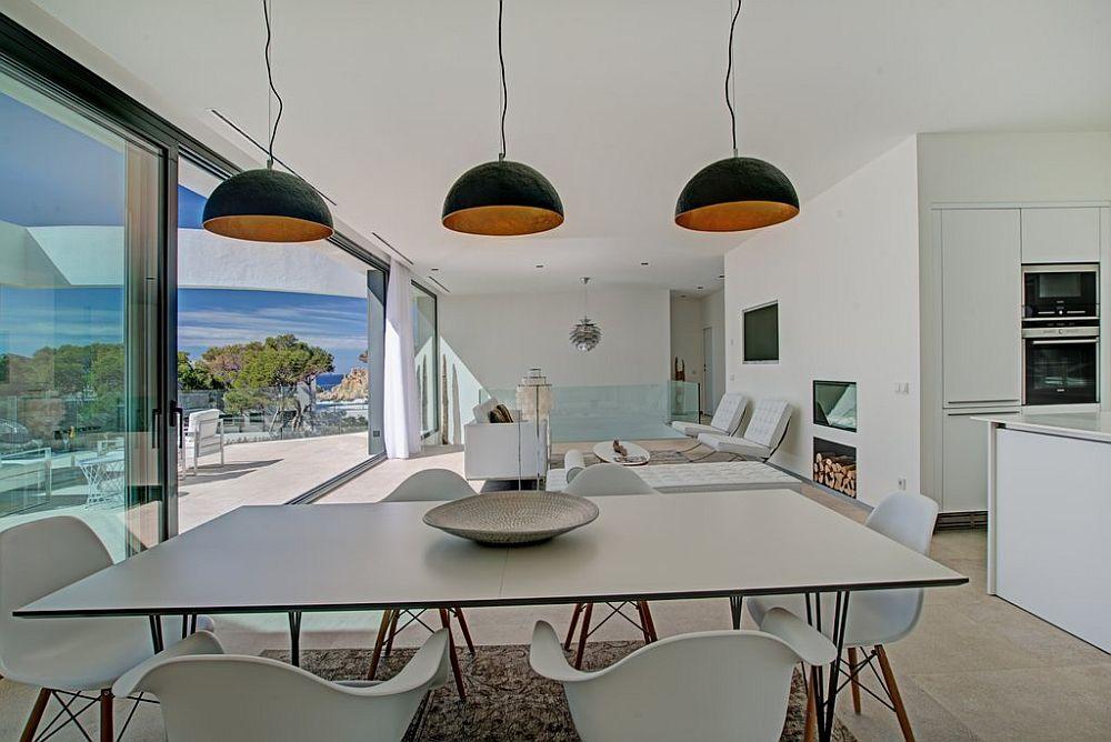 adelaparvu.com despre vila minimalista in Ibiza, Santa Ponsa, arhitecti Tono Vila Ramis si Joan Miquel Segui, Design interior Andreea Miinescu, Foto Signature Estate (15)