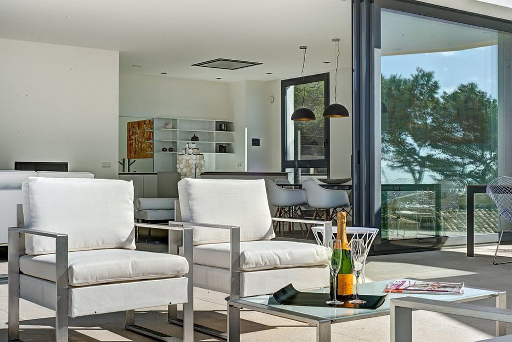 adelaparvu.com despre vila minimalista in Ibiza, Santa Ponsa, arhitecti Tono Vila Ramis si Joan Miquel Segui, Design interior Andreea Miinescu, Foto Signature Estate (17)