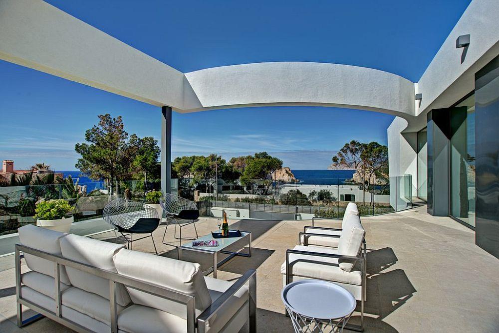 adelaparvu.com despre vila minimalista in Ibiza, Santa Ponsa, arhitecti Tono Vila Ramis si Joan Miquel Segui, Design interior Andreea Miinescu, Foto Signature Estate (18)
