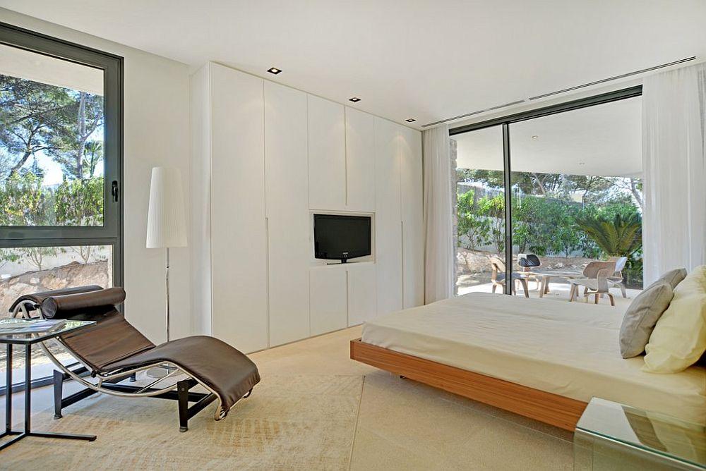 adelaparvu.com despre vila minimalista in Ibiza, Santa Ponsa, arhitecti Tono Vila Ramis si Joan Miquel Segui, Design interior Andreea Miinescu, Foto Signature Estate (2)