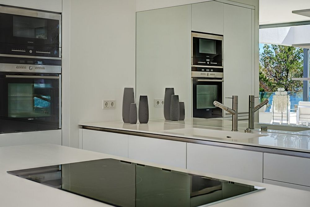 adelaparvu.com despre vila minimalista in Ibiza, Santa Ponsa, arhitecti Tono Vila Ramis si Joan Miquel Segui, Design interior Andreea Miinescu, Foto Signature Estate (6)