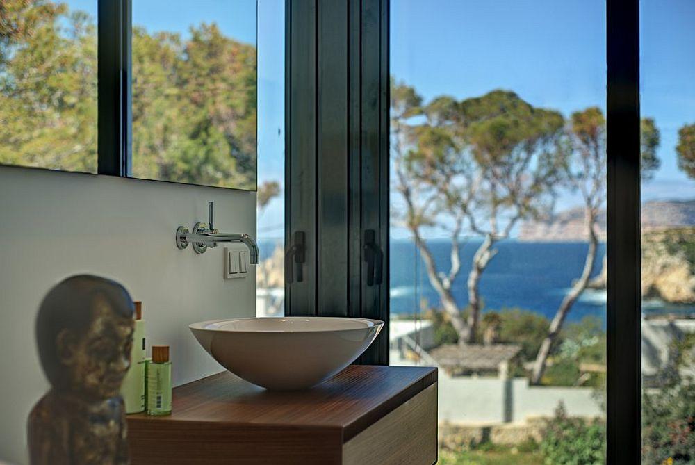 adelaparvu.com despre vila minimalista in Ibiza, Santa Ponsa, arhitecti Tono Vila Ramis si Joan Miquel Segui, Design interior Andreea Miinescu, Foto Signature Estate (8)
