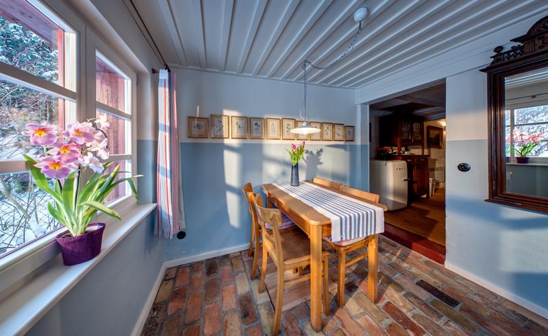 adelaparvu.com casa la tara cu acoperis de stuf, casa Germania, Roter Schwede  foto Traumhaff (13)