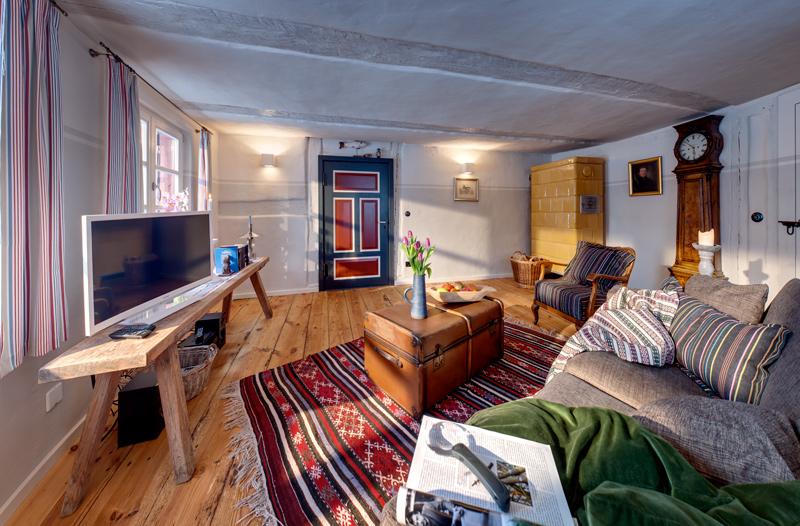 adelaparvu.com casa la tara cu acoperis de stuf, casa Germania, Roter Schwede  foto Traumhaff (8)