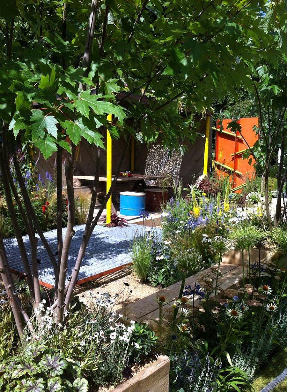 adelaparvu.com despre Gradina cu materiale reciclate, designeri Jeni Cairns, Sophie Antonelli, RHS Hampton Court Flower Show 2014 (10)