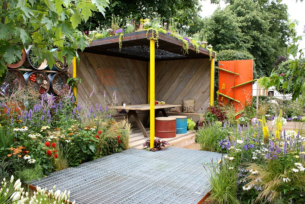 adelaparvu.com despre Gradina cu materiale reciclate, designeri Jeni Cairns, Sophie Antonelli, RHS Hampton Court Flower Show 2014 (15)