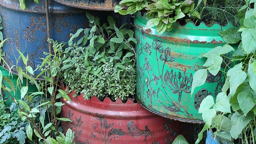 adelaparvu.com despre Gradina cu materiale reciclate, designeri Jeni Cairns, Sophie Antonelli, RHS Hampton Court Flower Show 2014 (18)