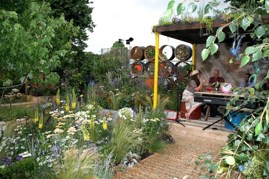 adelaparvu.com despre Gradina cu materiale reciclate, designeri Jeni Cairns, Sophie Antonelli, RHS Hampton Court Flower Show 2014 (5)