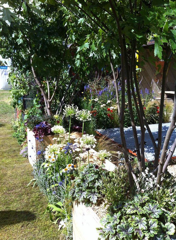 adelaparvu.com despre Gradina cu materiale reciclate, designeri Jeni Cairns, Sophie Antonelli, RHS Hampton Court Flower Show 2014 (8)