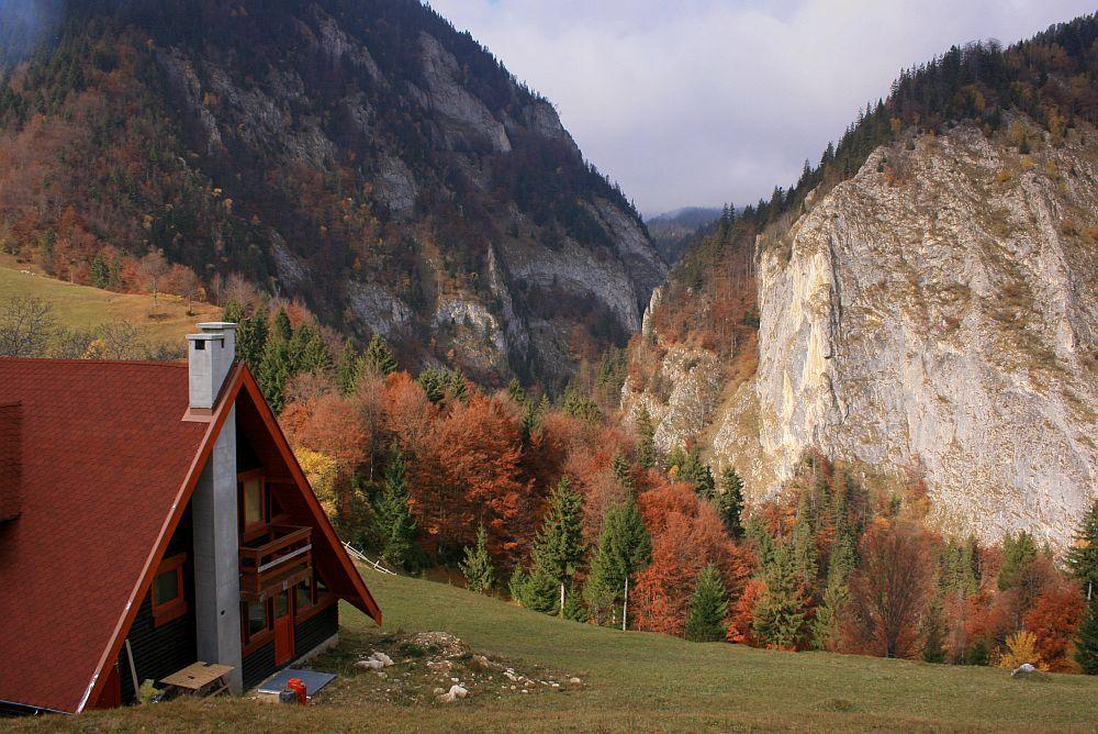 adelaparvu.com despre casa de munte Bucegi, casa din lemn, arh Adina Samoil (10)