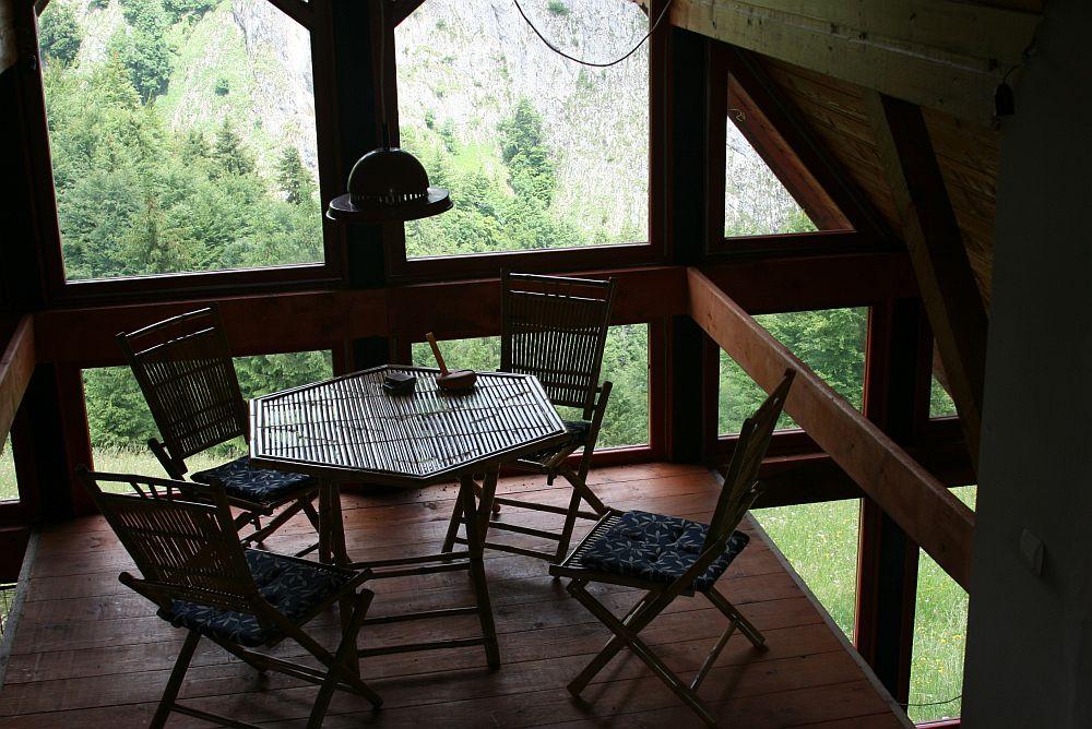 adelaparvu.com despre casa de munte Bucegi, casa din lemn, arh Adina Samoil (12)