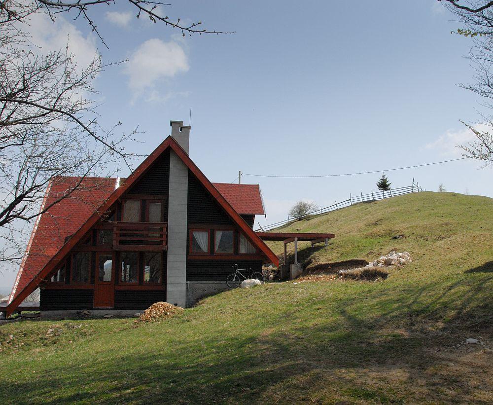 adelaparvu.com despre casa de munte Bucegi, casa din lemn, arh Adina Samoil (4)