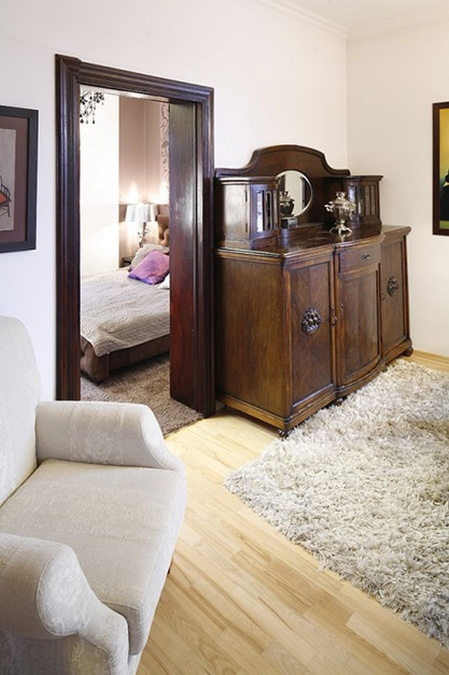 adelaparvu.com despre casa moderna cu piese de mobila clasice, Foto Urzadzamy (7)