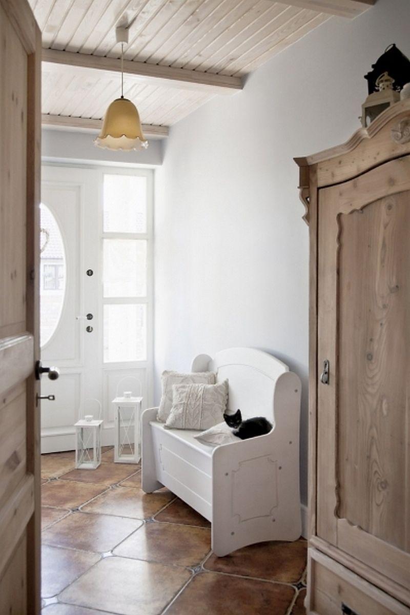 adelaparvu.com despre casa rustica cu interior alb si albastru, Casa Polonia, Foto Rafal Lipski (16)