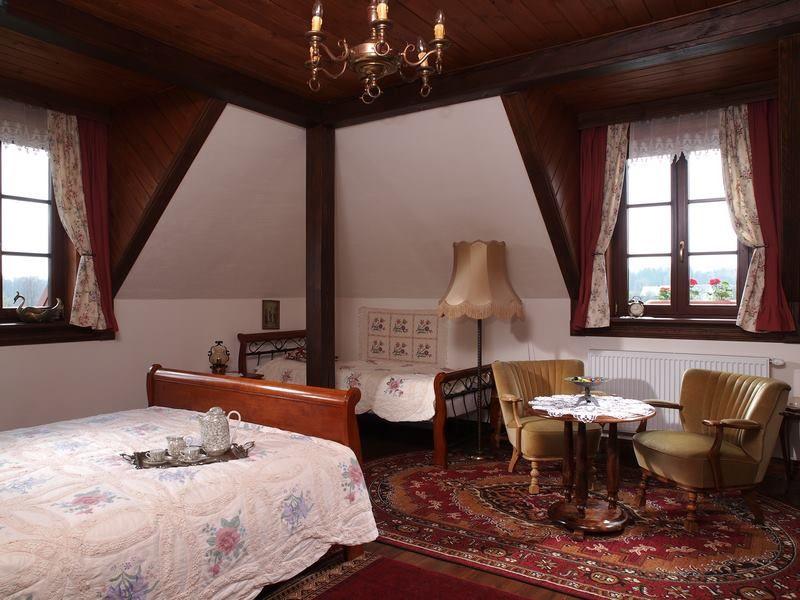 adelaparvu.com despre casa rustica din lemn cu interior clasic, casa Polonia, pensiune Stanica Rzeczna (1)