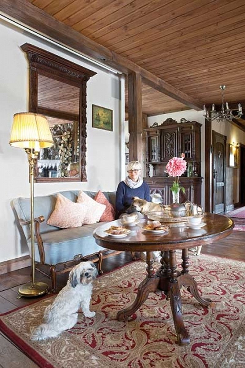 adelaparvu.com despre casa rustica din lemn cu interior clasic, casa Polonia, pensiune Stanica Rzeczna (10)