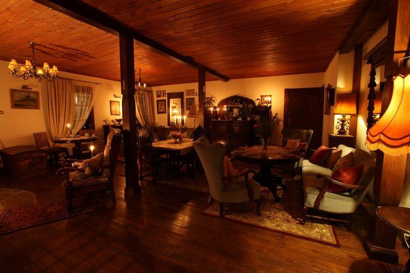 adelaparvu.com despre casa rustica din lemn cu interior clasic, casa Polonia, pensiune Stanica Rzeczna (19)