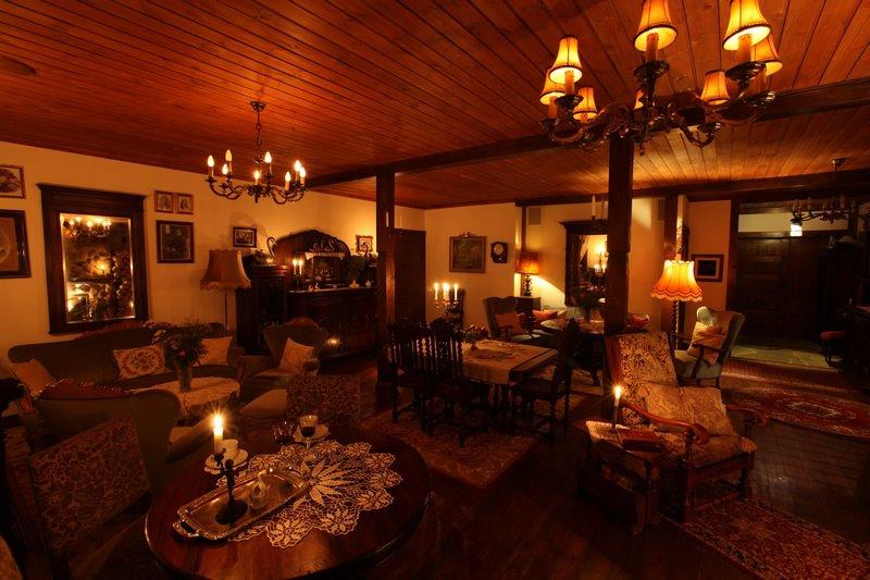 adelaparvu.com despre casa rustica din lemn cu interior clasic, casa Polonia, pensiune Stanica Rzeczna (20)