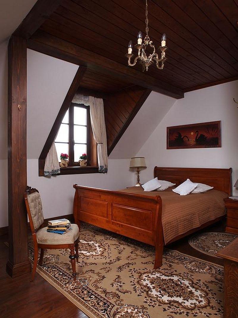 adelaparvu.com despre casa rustica din lemn cu interior clasic, casa Polonia, pensiune Stanica Rzeczna (27)