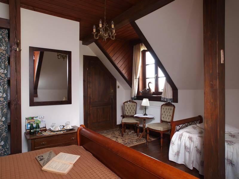 adelaparvu.com despre casa rustica din lemn cu interior clasic, casa Polonia, pensiune Stanica Rzeczna (30)