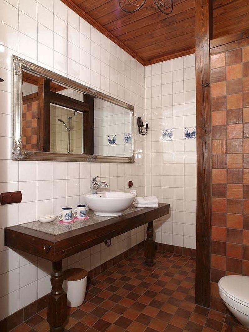 adelaparvu.com despre casa rustica din lemn cu interior clasic, casa Polonia, pensiune Stanica Rzeczna (31)