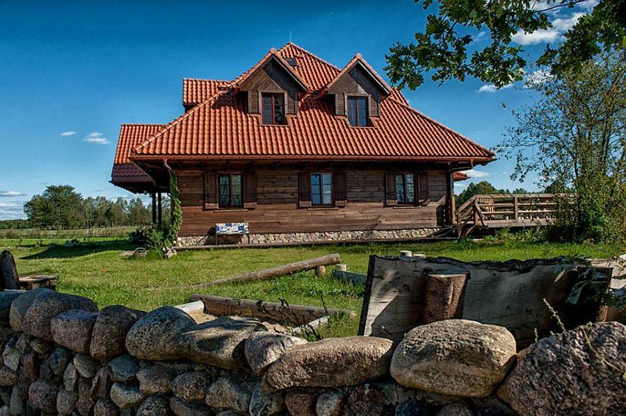 adelaparvu.com despre casa rustica din lemn cu interior clasic, casa Polonia, pensiune Stanica Rzeczna (34)