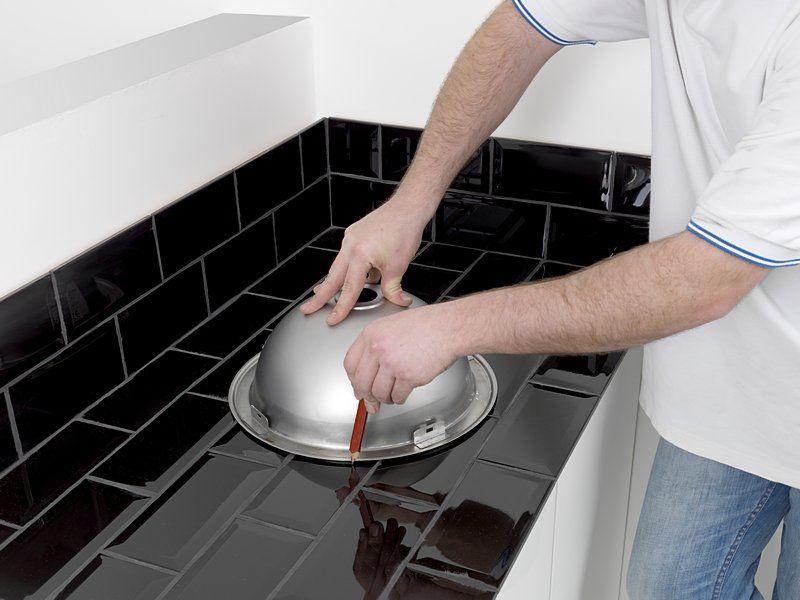 adelaparvu.com despre decuparea locului de chiuveta in placi ceramice, unealta Dremel Trio