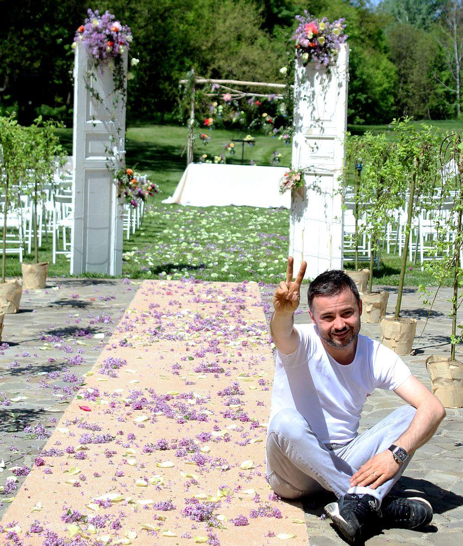 adelaparvu.com despre Nicu Bocancea designer florist castigator al concursului Flower Fusion aranjament masa de Craciun 2014 (6)
