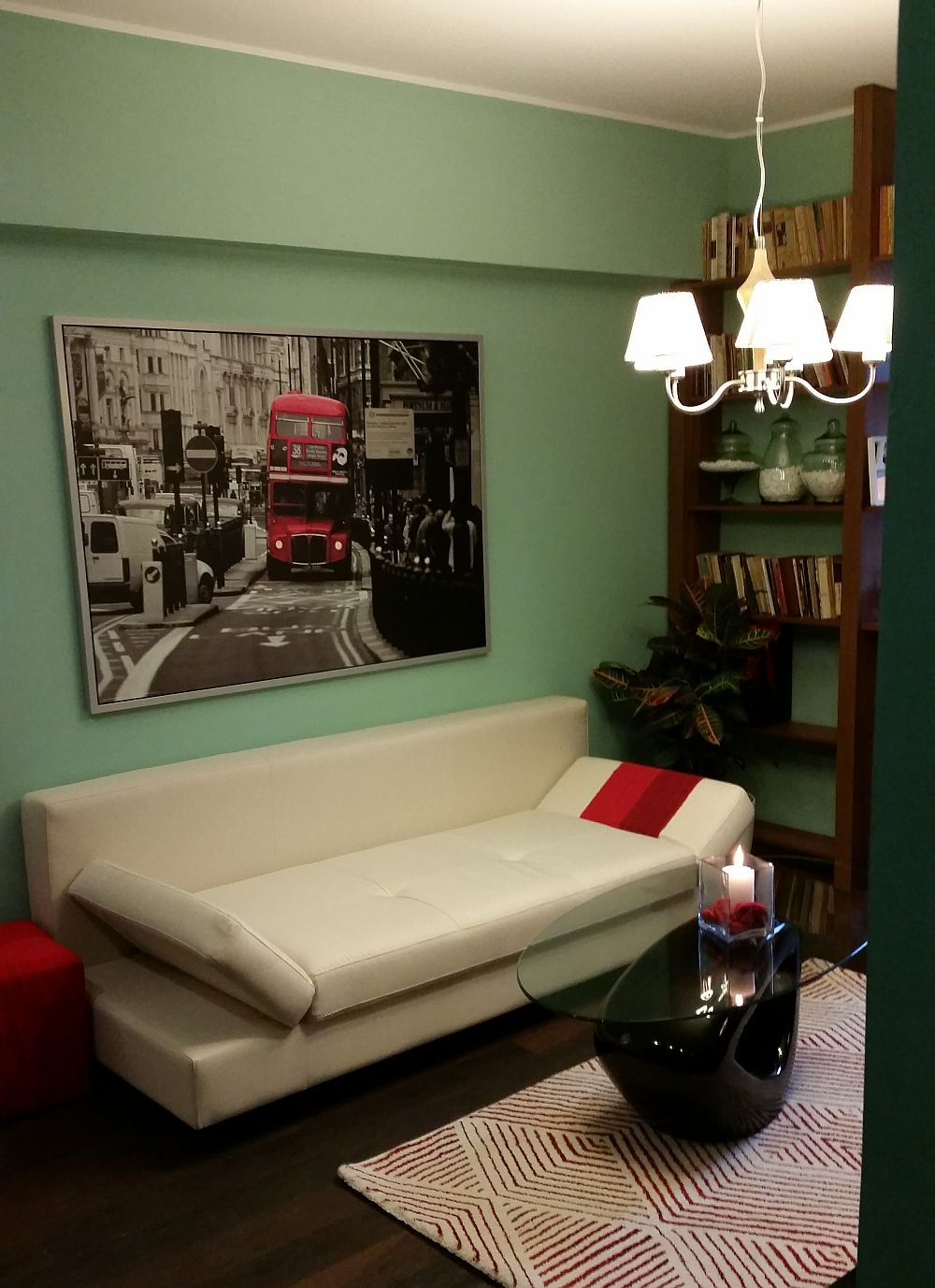 adelaparvu.com despre amenajare apartament Alice Muller din emisiunea Visuri la cheie de la ProTV, sezonul I, 2014 (3)