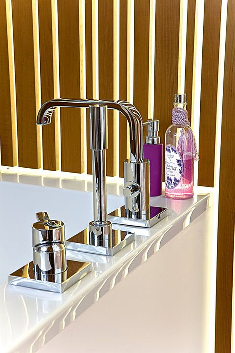 adelaparvu.com despre amenajare moderna cu beton, lemn si accente rosii, Foto Michal Skorupski (14)