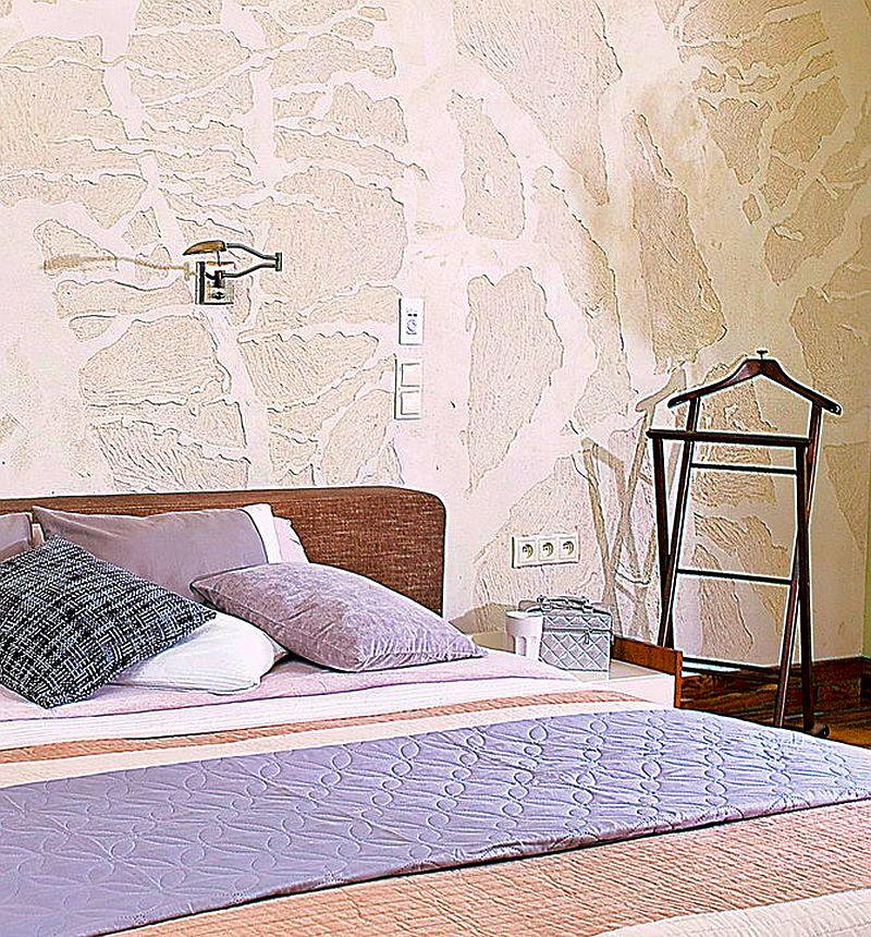 adelaparvu.com despre amenajare moderna cu beton, lemn si accente rosii, Foto Michal Skorupski (9)