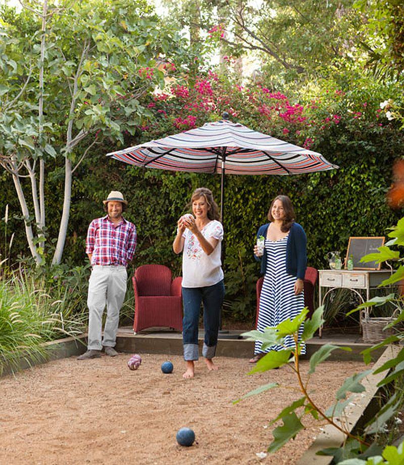 adelaparvu.com despre casa colorata, casa de designer, designer Sasha Emerson, Foto Lisa Romerein, Country Living (2)