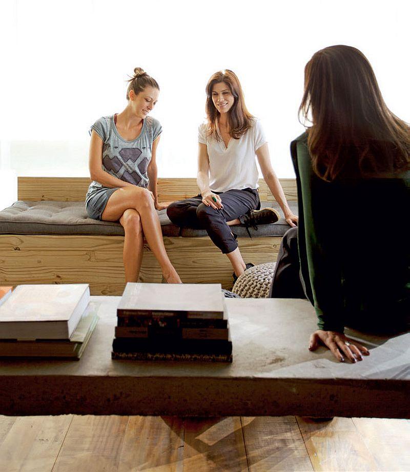 adelaparvu.com despre apartament modern cu pereti imbracati in lemn, arhitecti Veridiana Tamburus si Fabio Storrer (10)