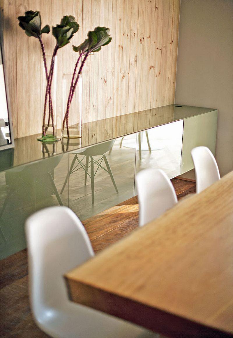 adelaparvu.com despre apartament modern cu pereti imbracati in lemn, arhitecti Veridiana Tamburus si Fabio Storrer (15)