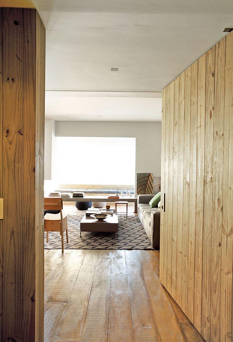 adelaparvu.com despre apartament modern cu pereti imbracati in lemn, arhitecti Veridiana Tamburus si Fabio Storrer (5)
