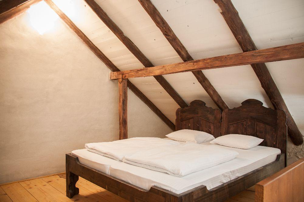 adelaparvu.com despre Casa de Oaspeti Cincsor, Ap 2 din vechea casa parohiala, Foto Ciungu Silvia 2 (2)
