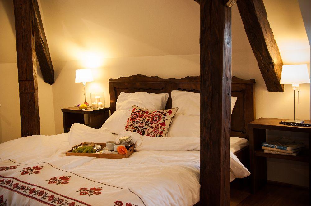 adelaparvu.com despre Casa de Oaspeti Cincsor, Camera 1 din vechea scoala, Foto Ciungu Silvia (6)