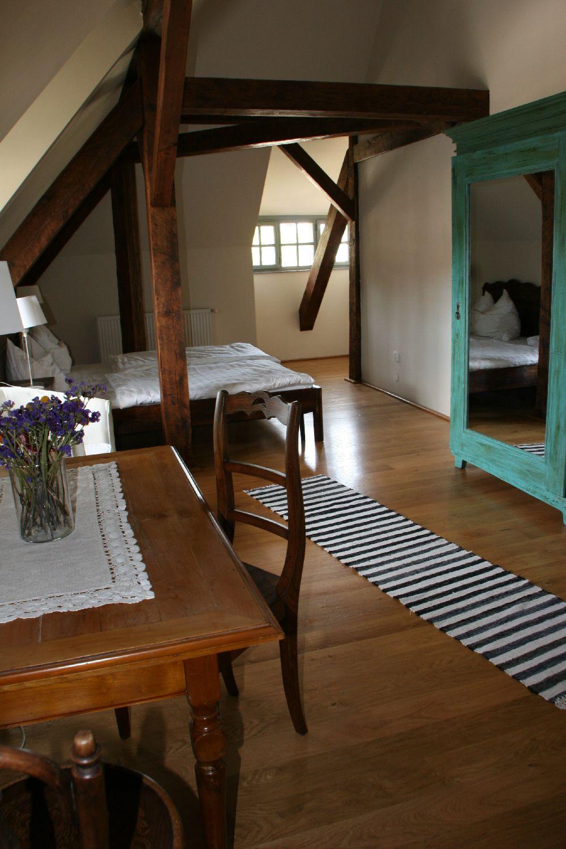 adelaparvu.com despre Casa de Oaspeti Cincsor, Camera 2 din vechea scoala, Foto Ciungu Silvia (1)