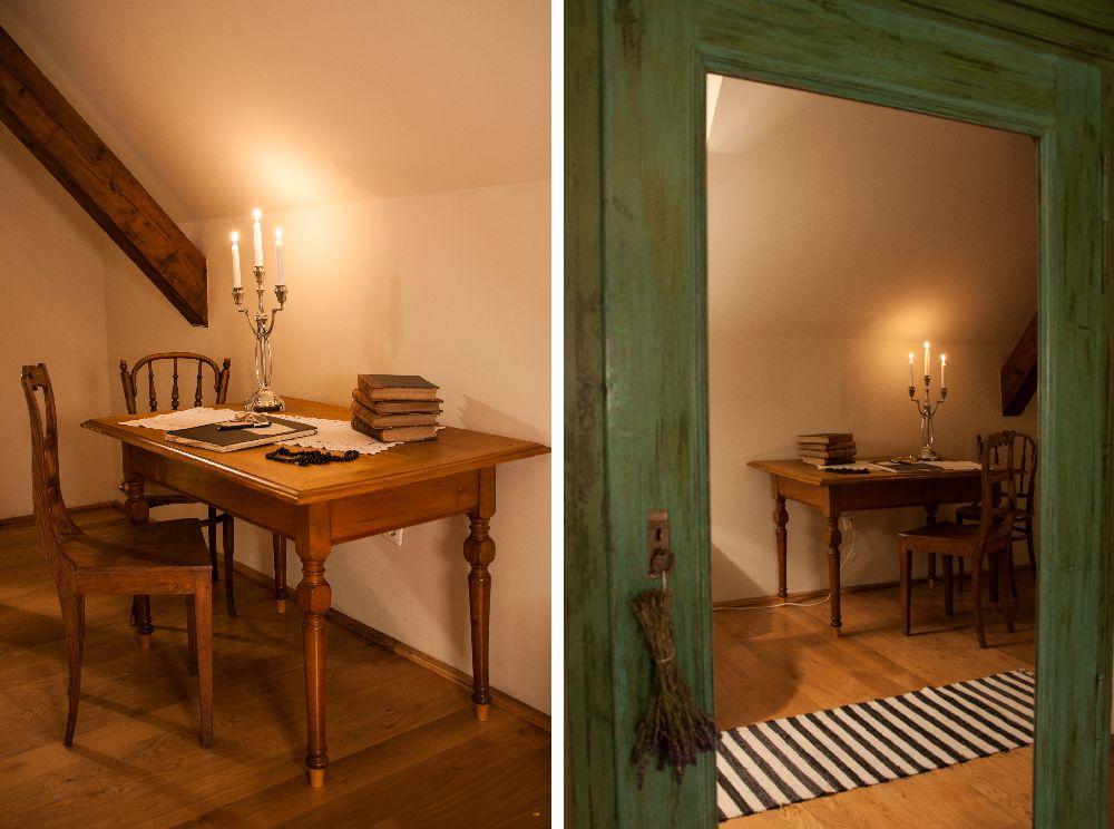 adelaparvu.com despre Casa de Oaspeti Cincsor, Camera 2 din vechea scoala, Foto Ciungu Silvia (4)
