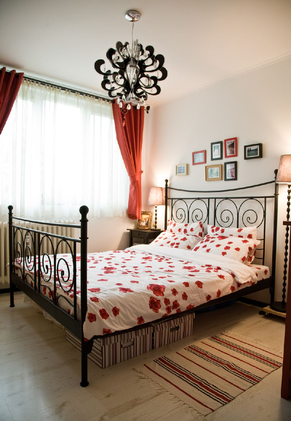 adelaparvu.com despre amenajare apartament de 2 camere Bucuresti, designer Constantin Alupoaei, Foto IzziDesign, Dan Vezentan (1)