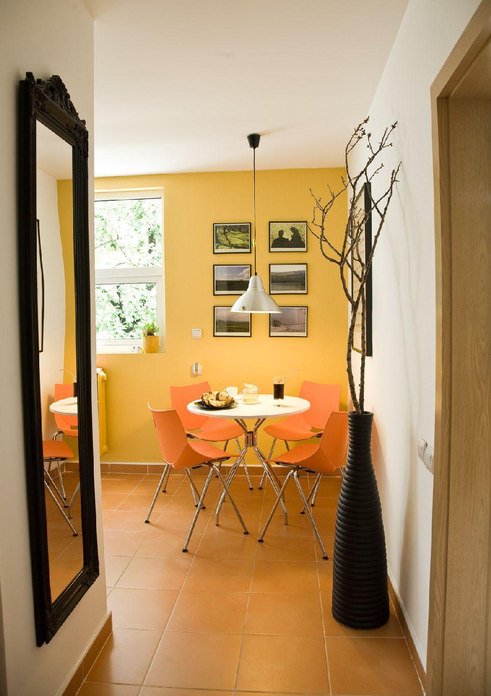 adelaparvu.com despre amenajare apartament de 2 camere Bucuresti, designer Constantin Alupoaei, Foto IzziDesign, Dan Vezentan (8)