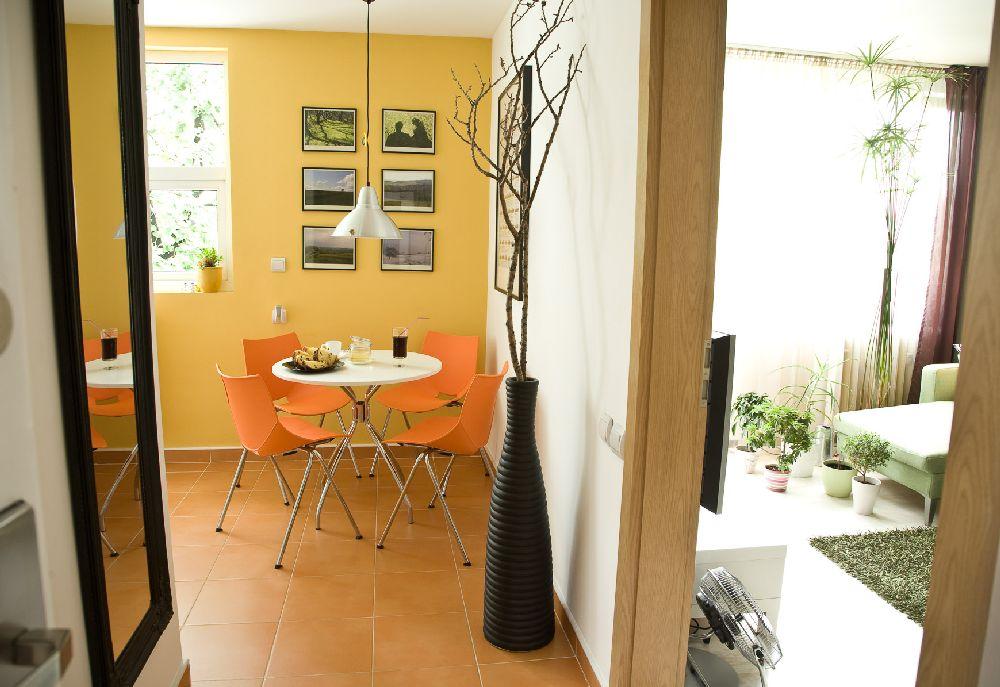 adelaparvu.com despre amenajare apartament de 2 camere Bucuresti, designer Constantin Alupoaei, Foto IzziDesign, Dan Vezentan (9)