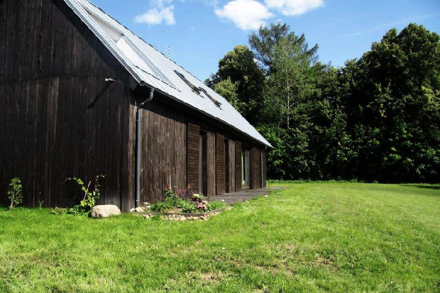 adelaparvu.com despre casa actuala cu aspect rustic la exterior, 130 mp, design interior chic2chic, Foto Michael Mrowiec (7)