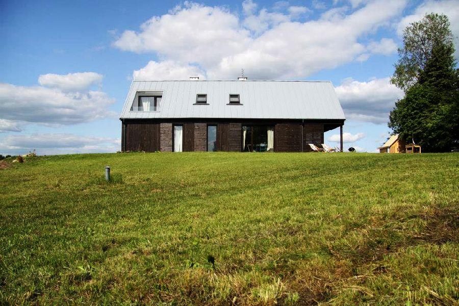 adelaparvu.com despre casa actuala cu aspect rustic la exterior, 130 mp, design interior chic2chic, Foto Michael Mrowiec (8)