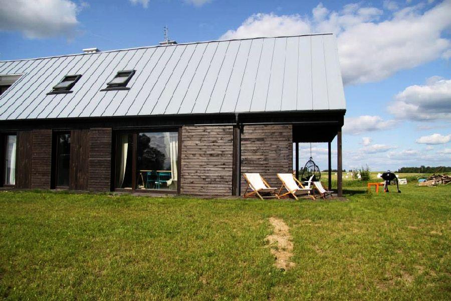 adelaparvu.com despre casa actuala cu aspect rustic la exterior, 130 mp, design interior chic2chic, Foto Michael Mrowiec (9)
