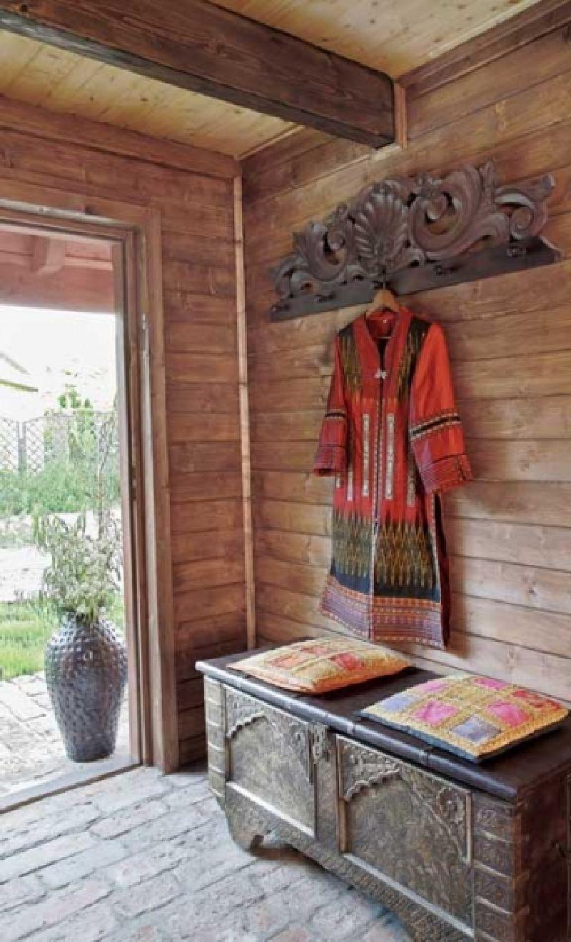 adelaparvu.com despre casa din lemn cu interior oriental, design interor Alice Kolodzie, Foto Marta Czynska, Weranda Country (12)